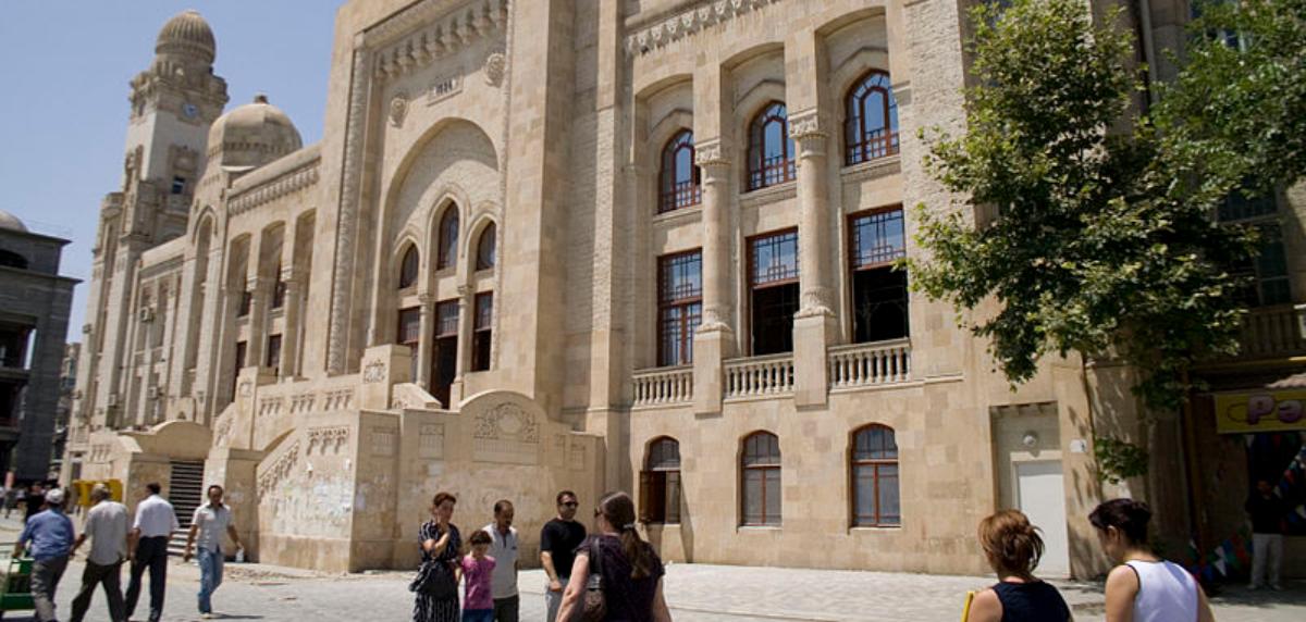 دانشگاه های باکو